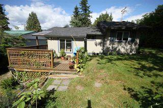 Photo 11: 5701 WHARF Avenue in Sechelt: Sechelt District House for sale (Sunshine Coast)  : MLS®# R2480866