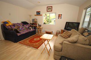 Photo 2: 5701 WHARF Avenue in Sechelt: Sechelt District House for sale (Sunshine Coast)  : MLS®# R2480866