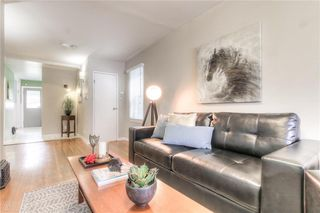 Photo 6: 2103 WESTMOUNT Road NW in Calgary: West Hillhurst Detached for sale : MLS®# A1031544