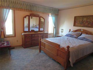 Photo 9: 111 Oakhurst Crescent in Winnipeg: Seven Oaks Crossings Residential for sale (4H)  : MLS®# 202027981
