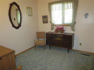 Photo 12: 111 Oakhurst Crescent in Winnipeg: Seven Oaks Crossings Residential for sale (4H)  : MLS®# 202027981