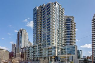 Main Photo: 1301 1025 5 Avenue SW in Calgary: Downtown West End Apartment for sale : MLS®# A1055902