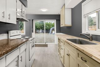 Photo 3: B 3197 Glen Lake Rd in : La Glen Lake Half Duplex for sale (Langford)  : MLS®# 862628