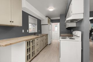 Photo 2: B 3197 Glen Lake Rd in : La Glen Lake Half Duplex for sale (Langford)  : MLS®# 862628