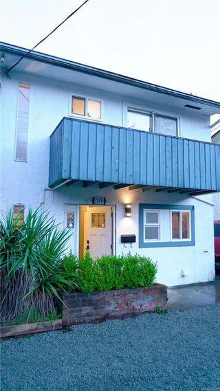 Photo 1: B 3197 Glen Lake Rd in : La Glen Lake Half Duplex for sale (Langford)  : MLS®# 862628