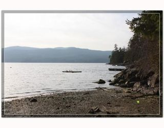 Photo 2: 7533 SECHELT INLET Road in Sechelt: Sechelt District House for sale (Sunshine Coast)  : MLS®# V813218