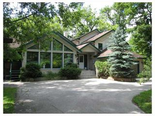 Photo 1: 60 RIVER Road in WINNIPEG: St Vital Residential for sale (South East Winnipeg)  : MLS®# 2920102