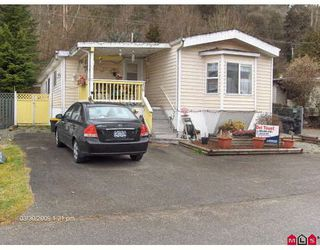 """Main Photo: 16 10221 WILSON Road in Mission: Mission-West Manufactured Home for sale in """"TRIPLE CREEK ESTATES"""" : MLS®# F2906701"""