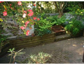Photo 1: 104 2256 W 7TH Avenue in Vancouver: Kitsilano Condo for sale (Vancouver West)  : MLS®# V767595