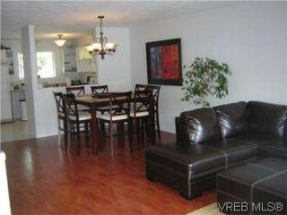 Photo 9: 2 1134 Esquimalt Rd in VICTORIA: Es Rockheights Row/Townhouse for sale (Esquimalt)  : MLS®# 505918