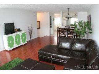 Photo 10: 2 1134 Esquimalt Rd in VICTORIA: Es Rockheights Row/Townhouse for sale (Esquimalt)  : MLS®# 505918