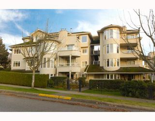 "Photo 1: 305 7520 COLUMBIA Street in Vancouver: Marpole Condo for sale in ""SPRINGS AT LANGARA"" (Vancouver West)  : MLS®# V774014"
