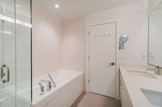 """Photo 12: 70 8217 204B Street in Langley: Willoughby Heights Townhouse for sale in """"EVERLY GREEN"""" : MLS®# R2411503"""