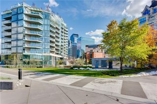 Photo 4: 607 738 1 Avenue SW in Calgary: Eau Claire Apartment for sale : MLS®# C4272230