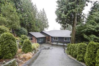 Photo 1: 3902 WESTRIDGE Avenue in West Vancouver: Bayridge House for sale : MLS®# R2423159