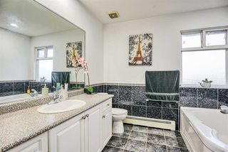 Photo 18: 12568 64 Avenue in Surrey: Panorama Ridge House for sale : MLS®# R2426032