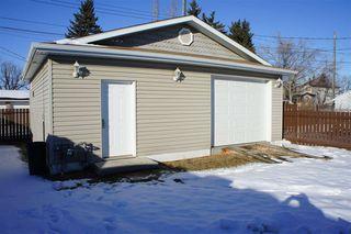 Photo 3: 15212 92 Avenue in Edmonton: Zone 22 House for sale : MLS®# E4190700