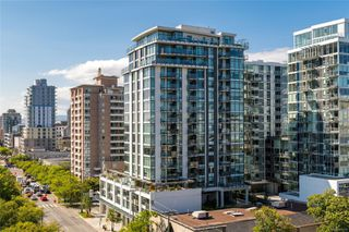 Photo 1: 706 960 Yates St in : Vi Downtown Condo for sale (Victoria)  : MLS®# 852127