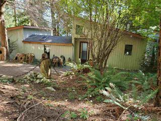 "Photo 2: 468 GAVIN Road: Keats Island House for sale in ""Eastbourne Estates"" (Sunshine Coast)  : MLS®# R2494096"