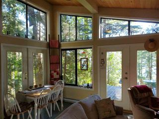 "Photo 1: 468 GAVIN Road: Keats Island House for sale in ""Eastbourne Estates"" (Sunshine Coast)  : MLS®# R2494096"