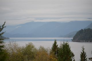 Photo 1: LOT 20 N GALE Avenue in Sechelt: Sechelt District Land for sale (Sunshine Coast)  : MLS®# R2507552