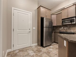 Photo 3: 423 35 ASPENMONT Heights SW in Calgary: Aspen Woods Apartment for sale : MLS®# A1057146