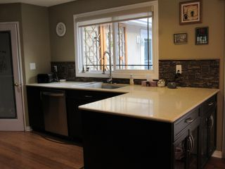 Photo 5: 45 Amherst Crescent in St. Albert: House for sale or rent