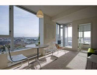 "Photo 2: 1509 550 TAYLOR Street in Vancouver: Downtown VW Condo for sale in ""The Taylor"" (Vancouver West)  : MLS®# V804974"