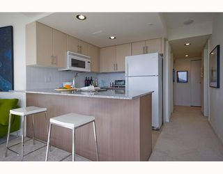 "Photo 4: 1509 550 TAYLOR Street in Vancouver: Downtown VW Condo for sale in ""The Taylor"" (Vancouver West)  : MLS®# V804974"