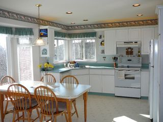 """Photo 3: 33712 APPS Court in Mission: Mission BC House for sale in """"HILLSIDE/CHERRY RIDGE"""" : MLS®# F1005003"""