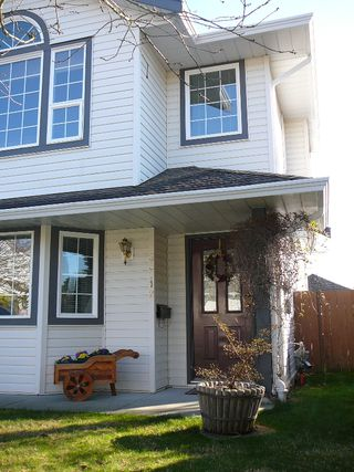 """Photo 2: 33712 APPS Court in Mission: Mission BC House for sale in """"HILLSIDE/CHERRY RIDGE"""" : MLS®# F1005003"""