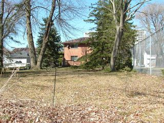 Photo 10: 15 Coronation Drive in Toronto: House (Backsplit 4) for sale (E08: TORONTO)  : MLS®# E1823441
