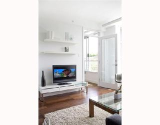 """Photo 6: 202 4375 W 10TH Avenue in Vancouver: Point Grey Condo for sale in """"VARSITY"""" (Vancouver West)  : MLS®# V748218"""
