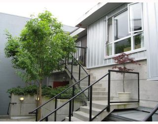 "Photo 1: 208 670 W 6TH Avenue in Vancouver: Fairview VW Townhouse for sale in ""BOHEMIA"" (Vancouver West)  : MLS®# V771107"