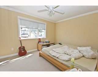 Photo 5: 1528 E PENDER Street in Vancouver: Hastings House 1/2 Duplex for sale (Vancouver East)  : MLS®# V773949