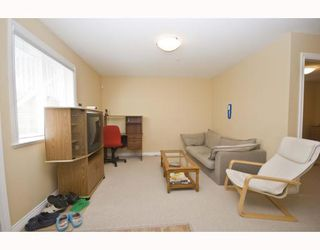 Photo 4: 1528 E PENDER Street in Vancouver: Hastings House 1/2 Duplex for sale (Vancouver East)  : MLS®# V773949