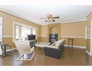 Photo 3: 1528 E PENDER Street in Vancouver: Hastings House 1/2 Duplex for sale (Vancouver East)  : MLS®# V773949