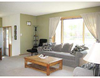 Photo 4: 1105 DEVONSHIRE Drive West in WINNIPEG: Transcona Residential for sale (North East Winnipeg)  : MLS®# 2811369