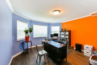 Photo 2: 5042 214A Street in Langley: Murrayville House for sale : MLS®# R2395224