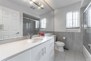 Photo 5: 2418 E 54TH Avenue in Vancouver: Fraserview VE House for sale (Vancouver East)  : MLS®# R2396451