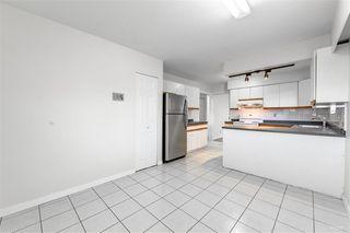 Photo 12: 2418 E 54TH Avenue in Vancouver: Fraserview VE House for sale (Vancouver East)  : MLS®# R2396451