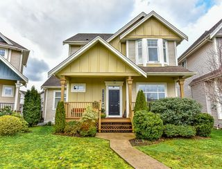 Photo 1: 18568 66A AVENUE in Cloverdale: Home for sale : MLS®# R2034217