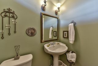 Photo 11: 18568 66A AVENUE in Cloverdale: Home for sale : MLS®# R2034217