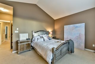 Photo 12: 18568 66A AVENUE in Cloverdale: Home for sale : MLS®# R2034217