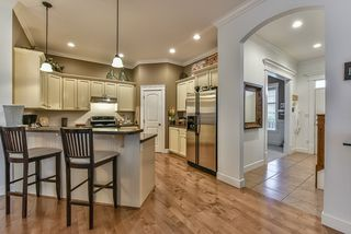 Photo 7: 18568 66A AVENUE in Cloverdale: Home for sale : MLS®# R2034217