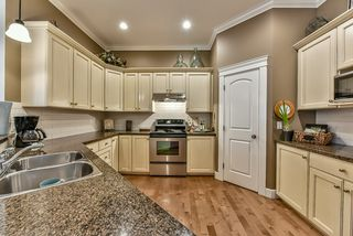 Photo 9: 18568 66A AVENUE in Cloverdale: Home for sale : MLS®# R2034217