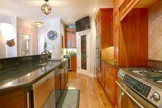 Photo 11: 10137 122 Street in Edmonton: Zone 12 House Half Duplex for sale : MLS®# E4192640