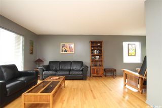 Photo 3: 529 Dalhousie Crescent in Saskatoon: West College Park Residential for sale : MLS®# SK810579
