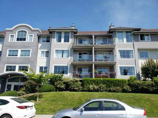 """Photo 2: 311 33599 2ND Avenue in Mission: Mission BC Condo for sale in """"STAVE LAKE LANDING"""" : MLS®# R2476170"""