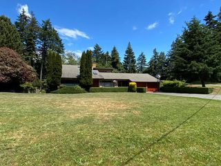 Photo 2: 3860 Graceland Dr in Metchosin: Me Albert Head House for sale : MLS®# 840985